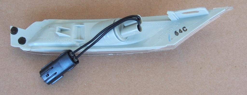 RH Clear F15151120E Genuine Mazda RX-8 Front Indicator Unit